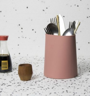 hub utensil holder